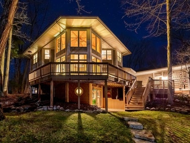 Two story deck in Nashville